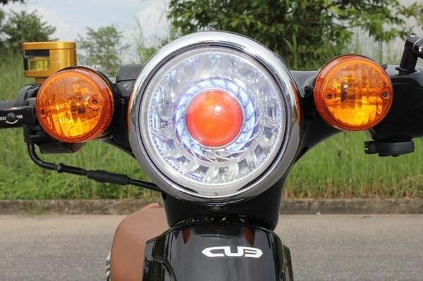 đèn xe đẳng cấp